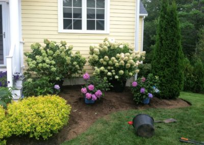 Landscaping.FlowerBed2